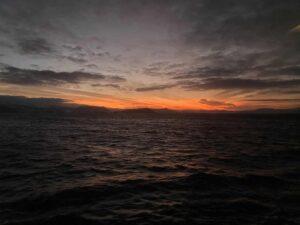 Sonnenaufgang, Tufjord, Norwegen, Rolvsöysund