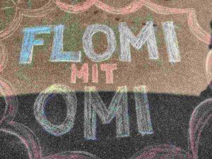 Flomi_mit_Omi, Flohmarkt, Kreidezeichnung
