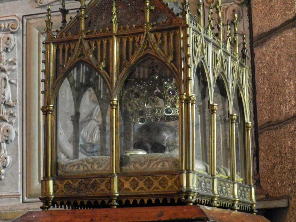 Reliquie in Schrein, Bretagne